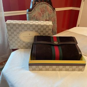 Vintage Gucci Brown Suede Clutch